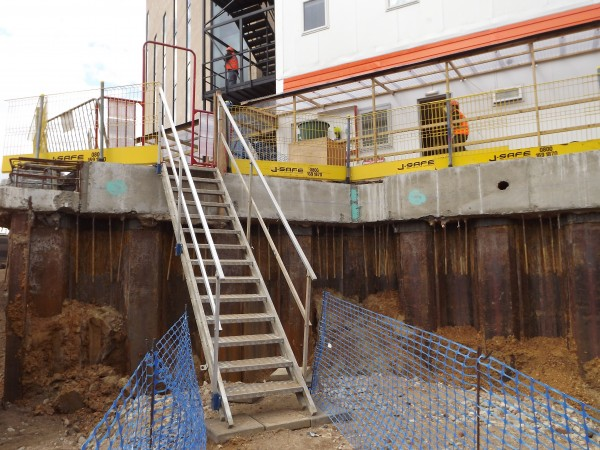j-safe_safe site movement_alu stair 20_35 in cofferdam