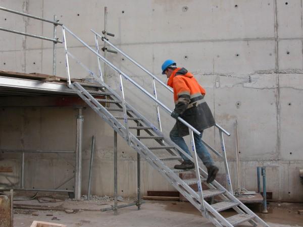 j-safe_site stair