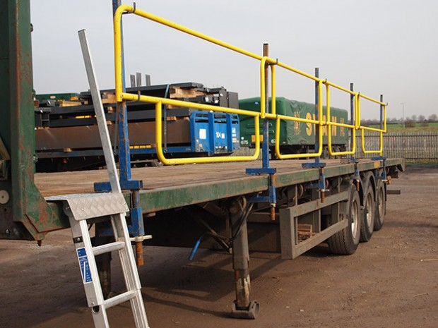 trailer-with-temporary-guardrails-by-J-SAFE-ltd.